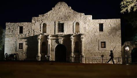 La Misión De El Álamo En Texas Es Patrimonio De La