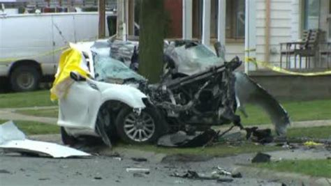 2 Dead After Car Fleeing Traffic Stop Crashes Into Tree On