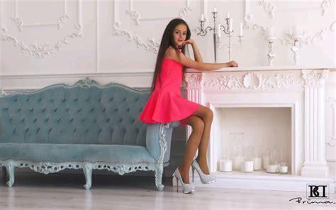 Brimad 童星grace 粉红裙装哔哩哔哩 ゜ ゜つロ 干杯~ Bilibili