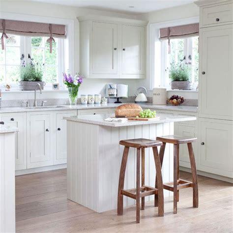 cottage kitchen island 20 charming cottage style kitchen decors