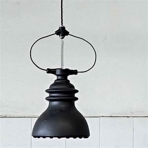 Suspension Style Industriel : suspension battersea de style industriel r alis e en c ramique ~ Teatrodelosmanantiales.com Idées de Décoration