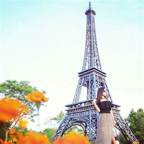 merapi park yogyakarta hadirkan replika landmark terkenal