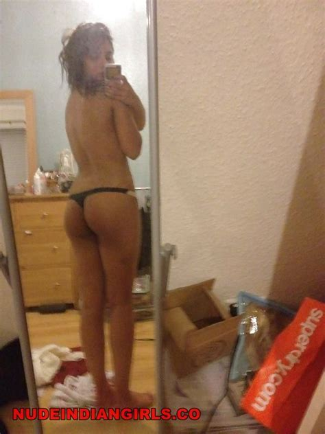 Naked Girl Selfies Butt