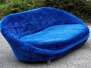 Sofa Samt Blau : sofa samt blau free die besten blaue sofas ideen auf ~ Michelbontemps.com Haus und Dekorationen