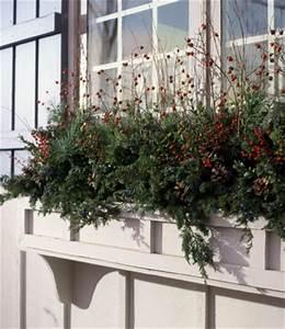 Holiday Wel e Window Box