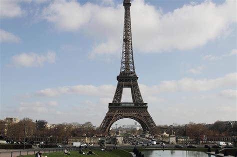 paris attire de  en  de touristes