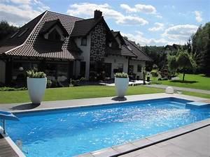 Rustine Piscine Sous L Eau : piscine avec store sous l 39 eau europool fabricant de piscines produit piscines de jardin ~ Farleysfitness.com Idées de Décoration