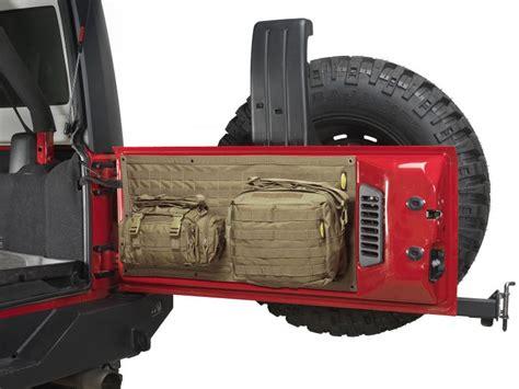 jeep tailgate storage smittybilt 5662324 smittybilt g e a r tailgate cover