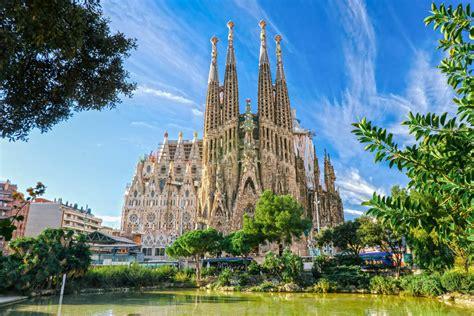 die top  sehenswuerdigkeiten von barcelona spanien