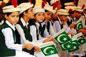 52 Independence Day Of Pakistan Celebration Pictures And ...