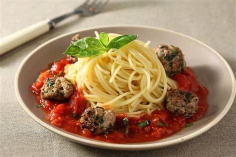 boulettes de viande sauce tomate cuisine italienne recette de spaghetti et boulettes de veau sauce tomate et