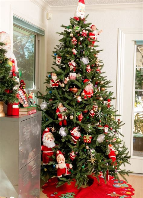 pics of decorated trees oh tree decorating with vintage santa claus
