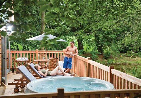 The Ultimate Romantic Hot Tub Breaks