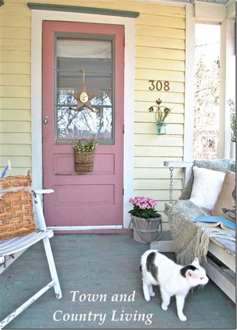 Feature Friday: Town and Country Living   Southern Hospitality