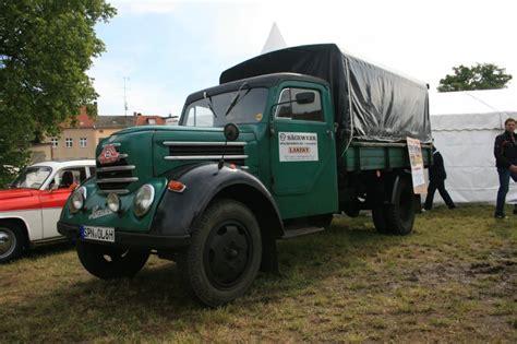 """Lastkraftwagen """"garant"""" Auf Der Fahrzeugparade Am 060609"""
