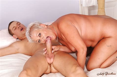 Mature Blonde Hottie Sucking On A Big Cock And Having Wild