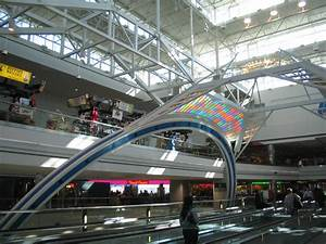 File:Denver International Airport, Concourse B - 2.jpg ...