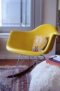 Petit Fauteuil Jaune : fauteuil eames ~ Teatrodelosmanantiales.com Idées de Décoration