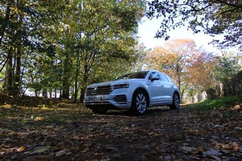 volkswagen touareg  drive review car india