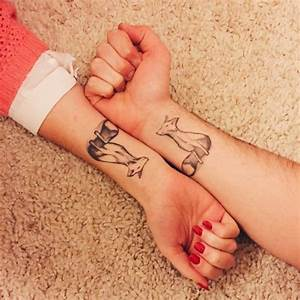 Tatouage Couple Original : 13 super cute matching couple tattoos cosmopolitan ~ Melissatoandfro.com Idées de Décoration