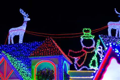 Light Up Texas by What Christmas Decor Is Not Safe For Roofs Modernize