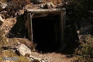 Spruce Mountain mine shaft entrance : Photos, Diagrams ...