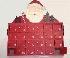 Adventskalender Bastelset Holz : adventskalender zum bef llen aus holz im weihnachtsmann motiv mit 24 t rchen heim garten ~ Whattoseeinmadrid.com Haus und Dekorationen