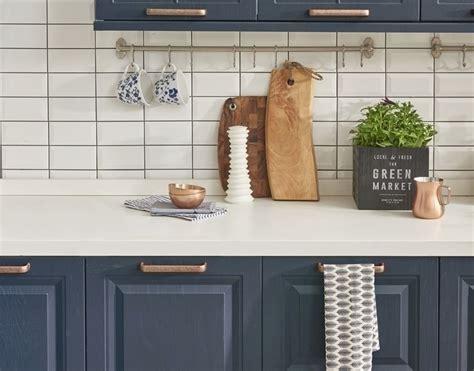 comment peindre meuble cuisine rénov cuisine peinture meubles de cuisine et multi