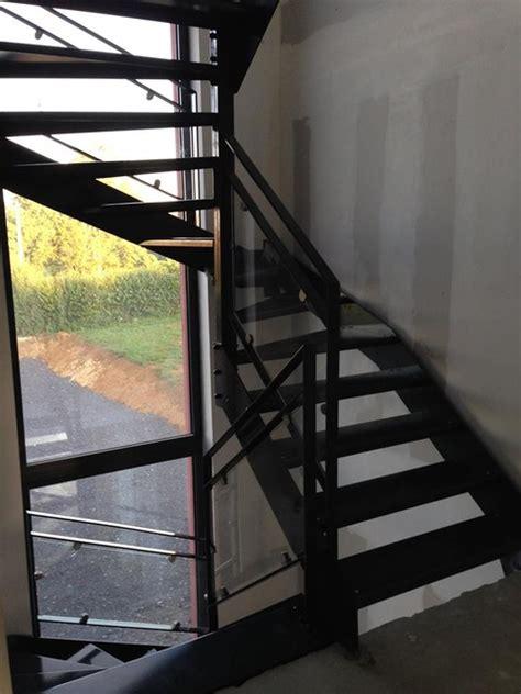 escalier interieur tout metal garde corps acier verre
