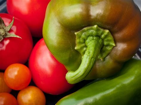 Raw Food vs. Cooked Food: 6 Foods You Should Always Eat