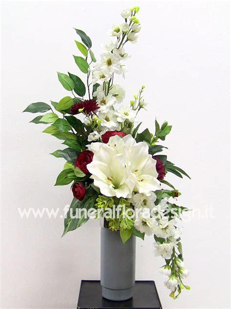 mazzi di fiori finti mazzo fiori artificiali loculo cimitero composizione fiori