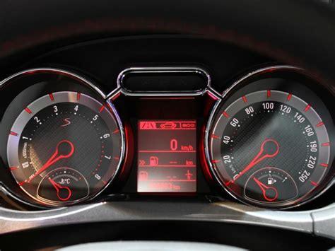 Приборная панель Opel Adam S 2015