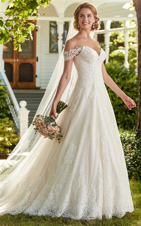 elegant   shoulder wedding gown martina liana