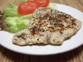 cuisiner des escalopes de dinde poulet paillard plat du jour recettes de cuisine
