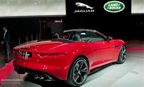 paris  jaguar  type   autoevolution