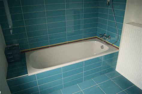 chignon dans salle de bain carrelage salles de bain la maison de lilie et greg