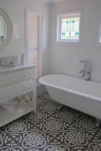 Badewanne Freistehend An Wand : badewanne freistehend wasserzulauf aus der wand umbau ~ Lizthompson.info Haus und Dekorationen