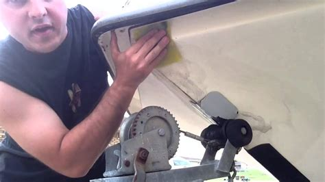 Best Boat Wax Uk by Cheapest And Best Way To Clean A Boat Doovi