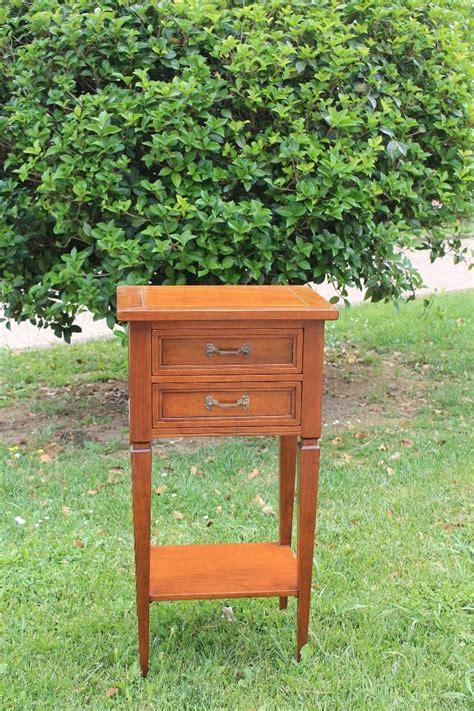 kleiner tisch aus paletten kleiner tisch aus walnussholz mit zwei schubladen kaffeetischchen m 246 bel wohnkultur