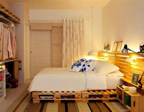 Interessant Designer Schlafzimmer Holz Diy Bett Und Eigener Designer Nachttisch Aus Paletten