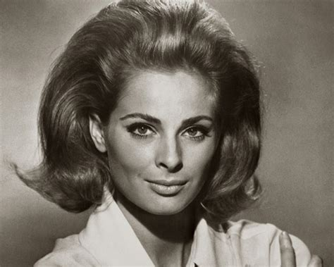 60s Womens Hairstyles by 60s Hairstyles For S To Looks Iconically Beautiful