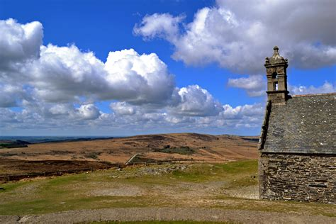 file chapelle du mont michel de brasparts 4 jpg wikimedia commons