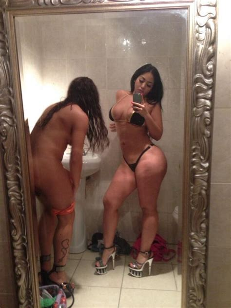 Latina Stripper Strawb3rrikiwi Shesfreaky