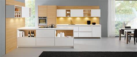 cuisine modernes cuisine moderne kanto leicht avec meubles supendus photo