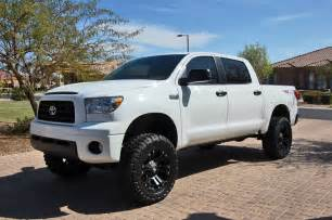 This gives me a lot more options for the stock wheels. Toyota Parts | Toyota Tundra Tire Sizes Guide - Stock ...