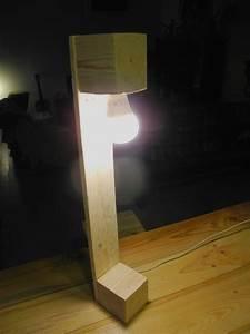 Lampe En Palette : lampe en palette 1 avec interrupteur douille lectrique e14 55 cm de haut palettes addict en ~ Voncanada.com Idées de Décoration