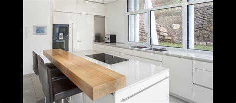Küchen Hochglanz Weiß by Mtb K 252 Che In Hochglanz Weiss Und Arbeitsfl 228 Chen Aus Granit
