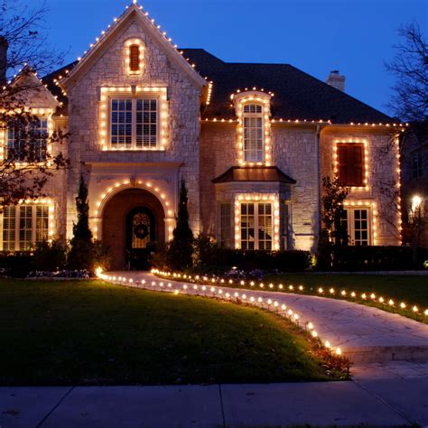 how to christmas lights on house 50 spectacular home christmas lights displays style estate