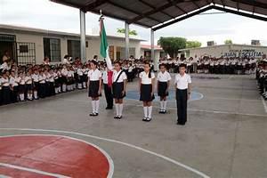 Celebran lunes cívico en la escuela primaria Juan Escutia