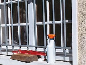 Grille De Defense Pour Fenetre : s curiser une fen tre avec une grille de d fense ~ Dailycaller-alerts.com Idées de Décoration